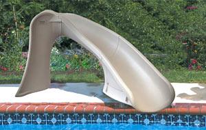 Scivoli per piscine private confortevole soggiorno nella for Piscine per pesci
