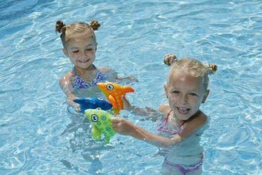 Delfini morbidi per piscina