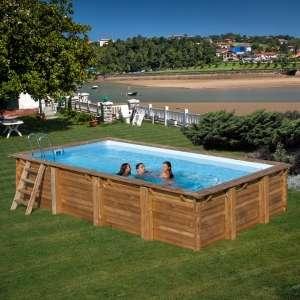 Piscina fuori-terra in legno rettangolare Braga, con scaletta interna ed esterna e filtro incluso