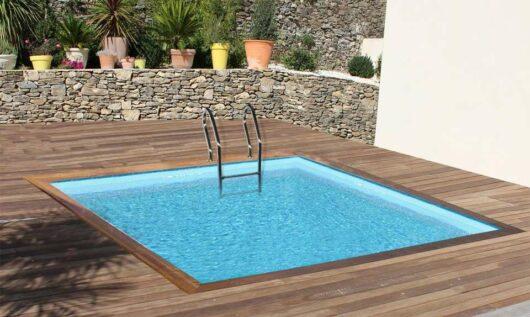 Piscina fuori-terra in legno quadrata Carra, con scaletta interna ed struttura esterna, filtro incluso