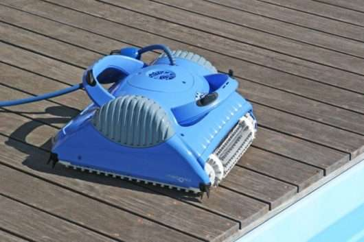 Dolphin Master M3 bordo piscina