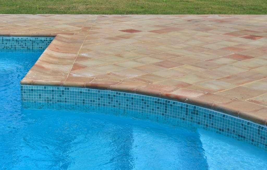 Piscina in pvc manutenzione e rinnovo della fascia perimetrale 1000 piscine - Saldatura telo pvc piscina ...