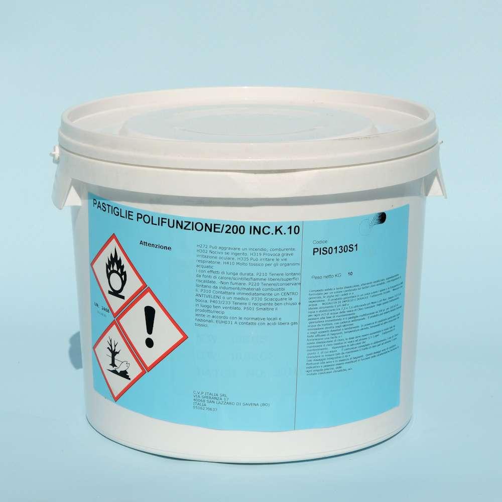 Prodotti chimici per piscina: pastiglie multifunzione