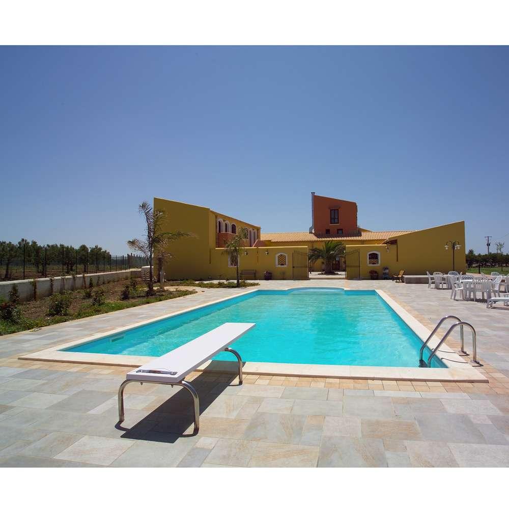 Piscine interrate in pannelli di acciaio a skimmer con - Prezzi piscina interrata ...