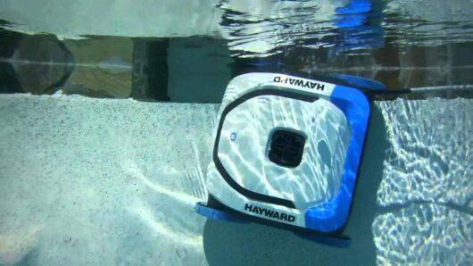 aquavac 500 pulizia pareti piscina