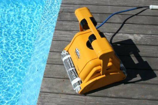 dolphin dynamic prox 2 gyro vista bordo piscina