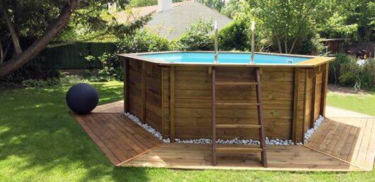 Piscina fuori-terra in legno, con scaletta interna ed esterna e filtro incluso