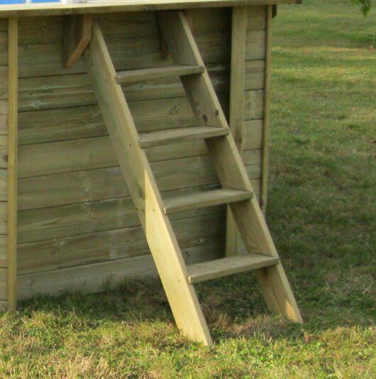 Scaletta in legno esterna per piscine fuori-terra in legno